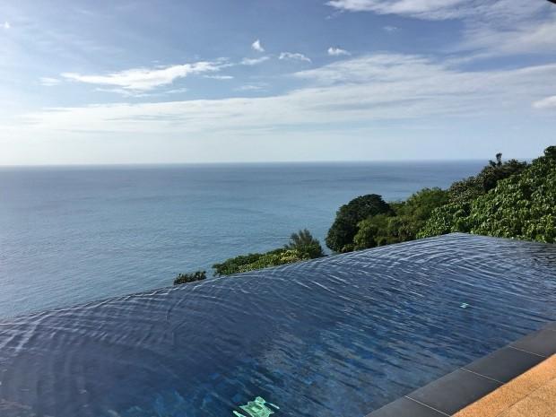 Hotel Paresa infinity pool